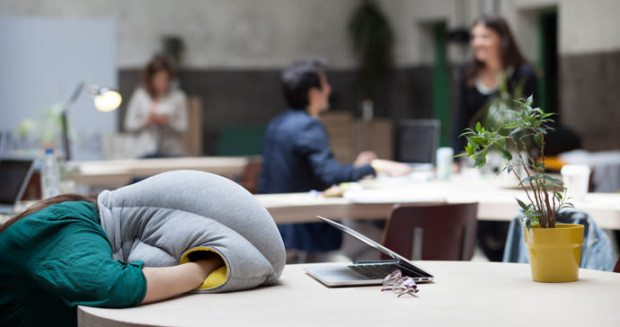 B043_SE_COL-OSTRICH-PILLOW_STUDIOBANANATHINGS_02