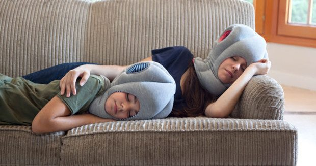 B043_SE_OSTRICH-PILLOW-JN_STUDIOBANANATHINGS_03
