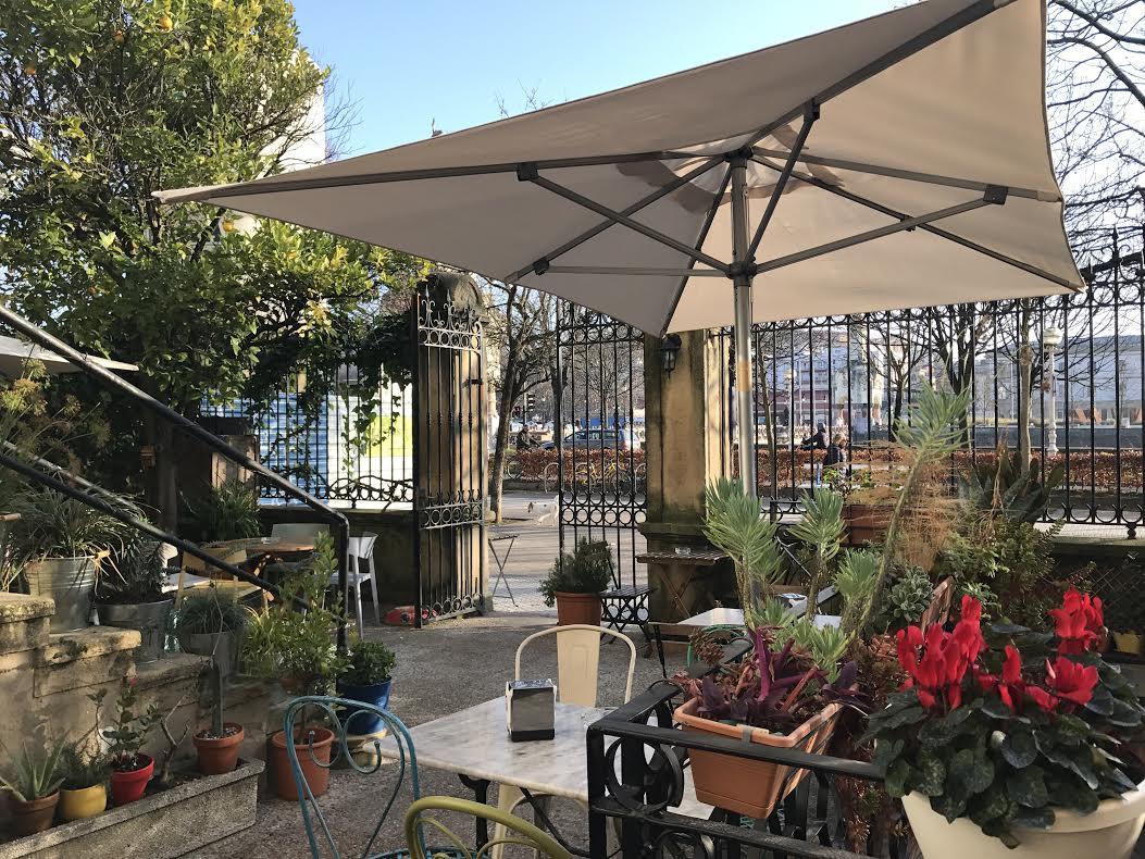 Botanika una preciosa terraza jard n en donosti city for Terraza jardin