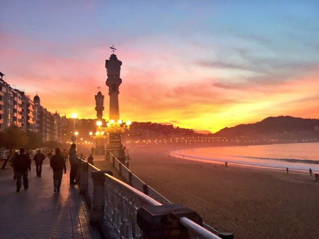 La concha San Sebastian Donostia sisters and the city