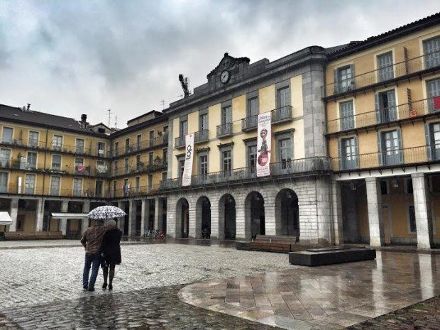 Tolosa sisters and the city TOPIC
