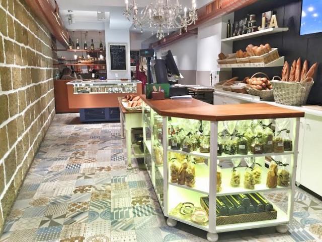 Zarautz Pintxos Desayuno Pasteleria Croissant Bollos