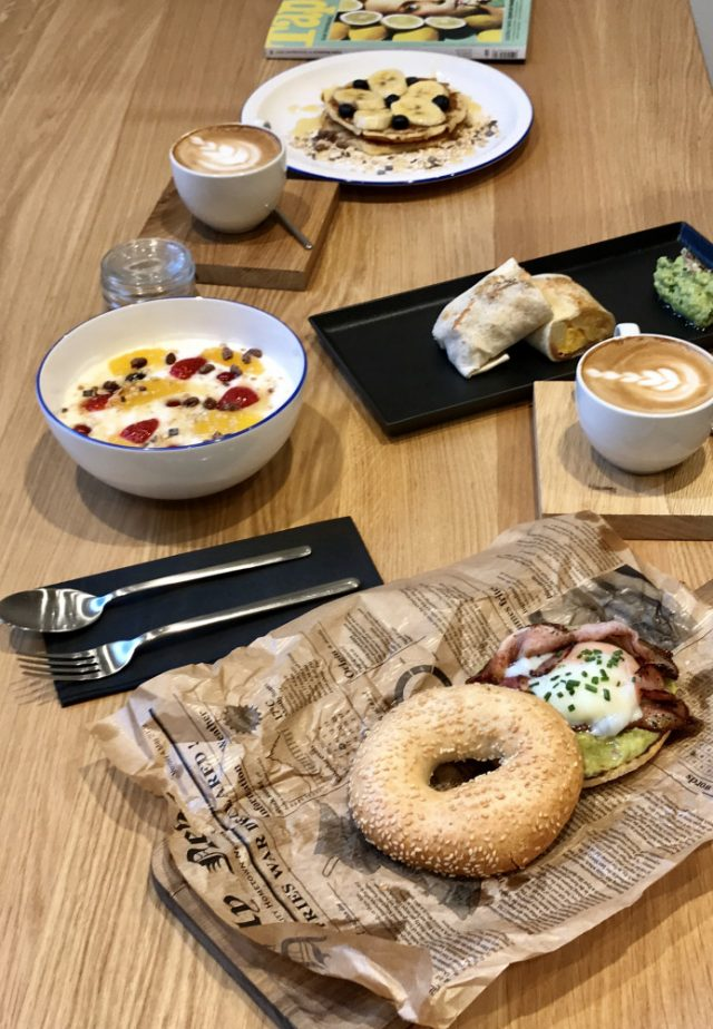 sistersandthecity-breakfast-in-the-city-44