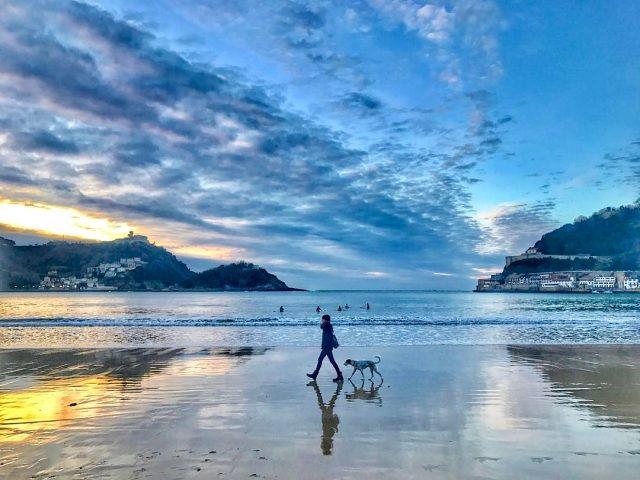 Terminar el da as paseando por la playa enterando lishellip