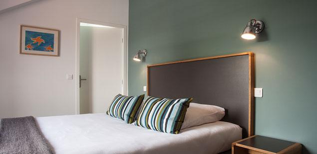 chambre-lit-superieure-ecole-balea-hotel-guethary