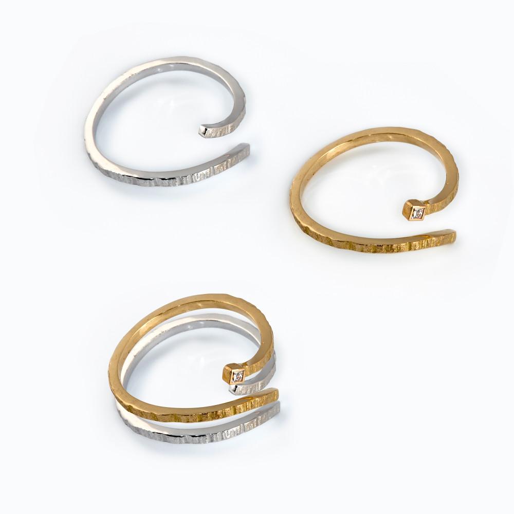 ec135ea03e36 Anillo oro con diamante talla princesa  461 euros. Anillo plata sin  diamante  73 euros