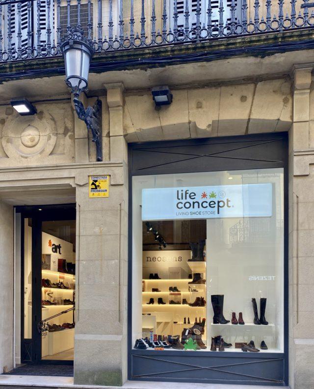life-concept-living-shoe-store