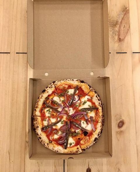 humo-pizza-take-away-delivery-donostia